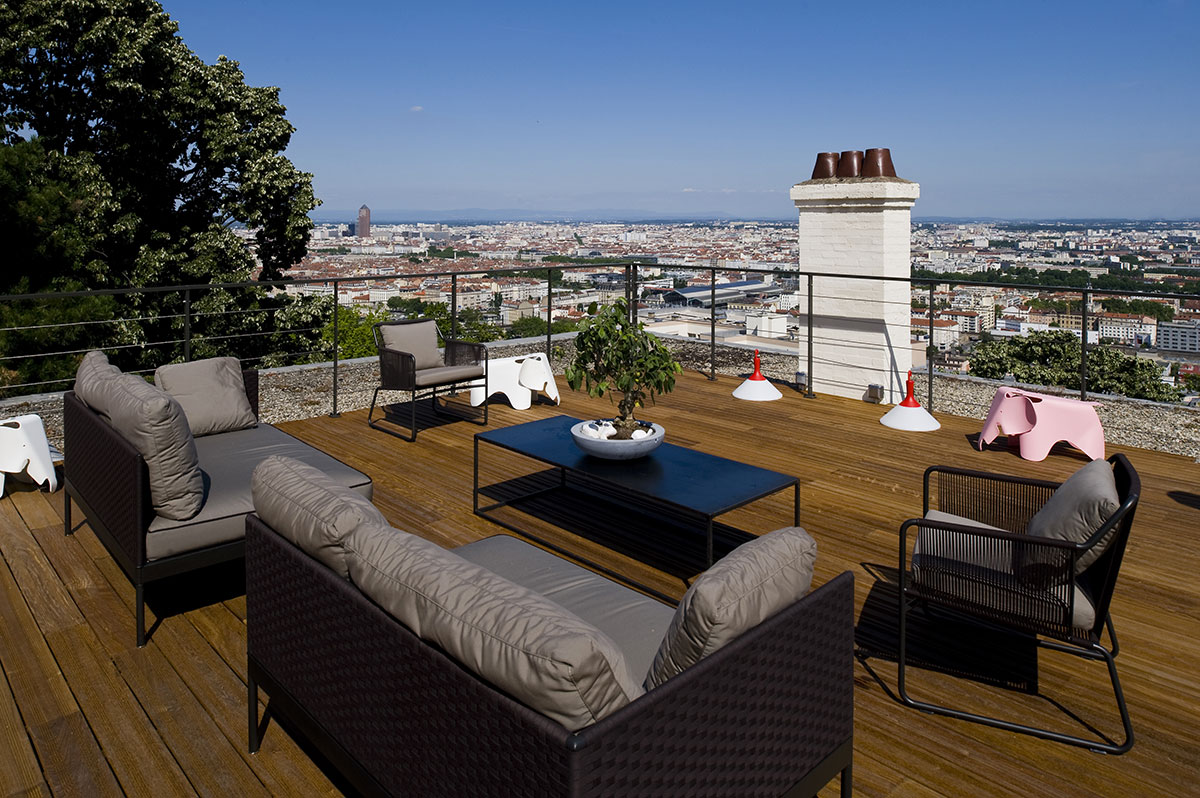Toit Terrasse Lyon : Toit terrasse avec un acc u00e8s entour u00e9 d u2019une balustrade